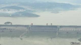 Bendungan sungai di Cina