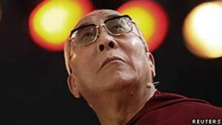 دالایی لاما عنوان رهبر دینی تبت از قرن چهاردهم میلادی به بعد است