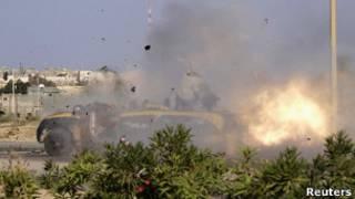 Quân chính phủ NTC của Libya pháo kích Sirte