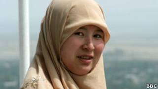 Киргизская девушка в хиджабе