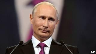 O primeiro-ministro russo, Vladimir Putin, durante um evento de seu partido, Rússia Unida, no qual anunciou a sua candidatura à presidência