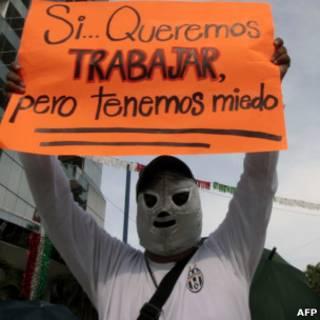 Professor faz greve em Acapulco, após ser ameaçado por narcotraficantes (AFP)