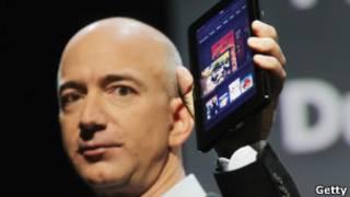 Kindle Fire был представлен основателем Amazon Джеффом Безосом