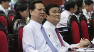 Thủ tướng Nguyễn Tấn Dũng ngồi cạnh Chủ tịch nước Trương Tấn Sang