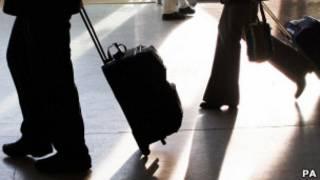 Turistas com malas (Foto PA)