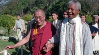 الدلاي لاما والمطران توتو