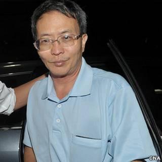 台湾警察大学副教授吴彰裕被押往台北地方检察署(台湾中央社图片29/9/2011)