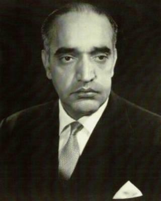 هاشم میوندوال، یکی از نخست وزیران دهه چهل و صاحب امتیاز نشریه مساوات
