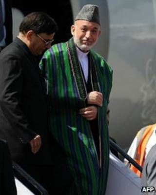 Президент Карзай во время визита в Дели