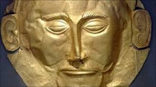 قناع ذهبي كان يستخدم خلال الجنازات في العصور القديمة (ليس ضمن الأقنعة التي تم ضبطها)