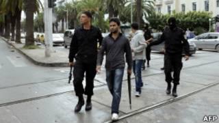 الشرطة تعتقل سلفيين في تونس