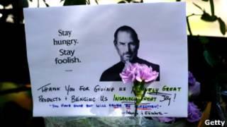 Мир продолжает скорбеть о Стиве Джобсе