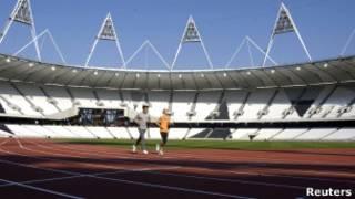 Беговая дорожка нового Олимпийского стадиона в Лондоне