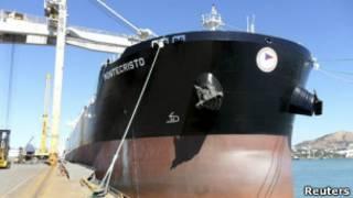 O navio italiano MV Montecristo.