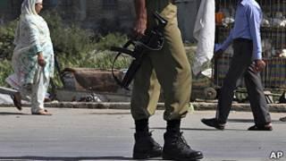 कश्मीर में सुरक्षा (फ़ाइल फ़ोटो)