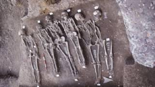 As amostras de DNA foram retiradas de esqueletos encontrados em Londres