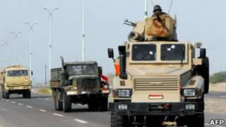 قافلة عسكرية يمنية
