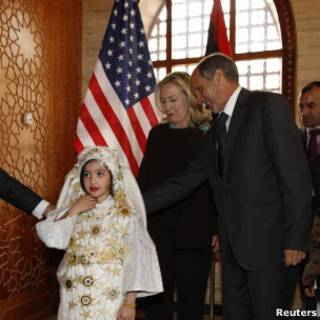 هيلاري كلينتون مع مصطفى عبد الجليل