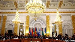 Лидеры стран СНГ в Константиновском дворце в Санкт-Петербурге