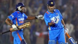 धोनी ने पहला और तीसरा वनडे जिताने में अहम भूमिका अदा की