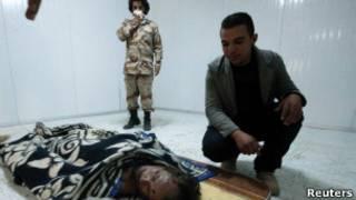 جثمان القذافي