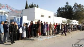 Cử tri đi bầu ở thủ đô Tunis, Tunisia