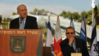 O premiê israelense Netanyahu e o ministro da Defesa Ehud Barak.