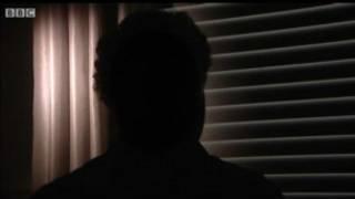 Um dos irmãos fala à BBC sobre abusos (Crédito: BBC)