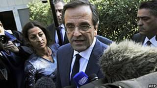 Antonis Samaras depois de reunião com o presidente grego em Atenas (AFP/Getty)