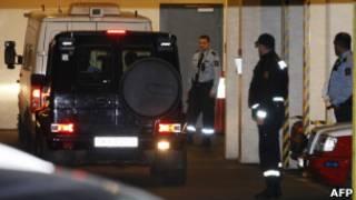 Машина доставляет Брейвика в суд в Осло