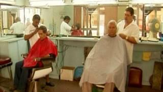 Một tiệm cắt tóc ở thủ đô Havana