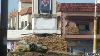 حاجز عسكري في حمص
