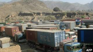 Грузовики на пакистано-афганской границе