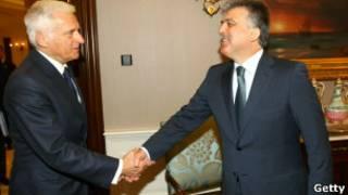 الرئيس التركي عبد الله غول يلتقي في أنقرة مع رئيس البرلمان الأوروبي جيرزي بوزيك