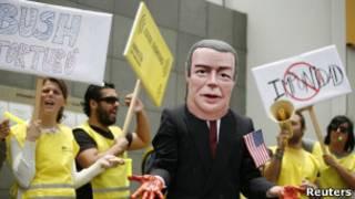 Демонстрация у посольства Канады в Лиме