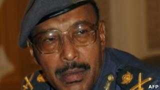 وزير الدفاع السوداني عبد الرحيم محمد حسين