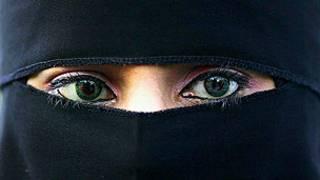 یک زن با حجاب