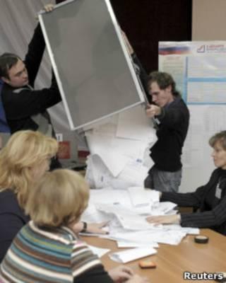 Подсчет голосов в Ростве-на-Дону 4 декабря 2011 г.