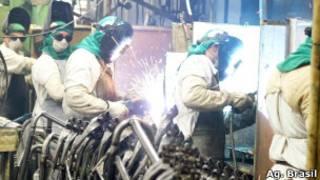Indústria na Zona Franca de Manaus. ABr