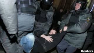 Protesto contra resultado da eleição russa (Reuters)