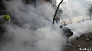 غاز مسيل للدموع في المواجهات بوسط القاهرة