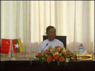 ပြည်သူ့လွှတ်တော် ဥက္ကဌသူရ ရွှေမန်း