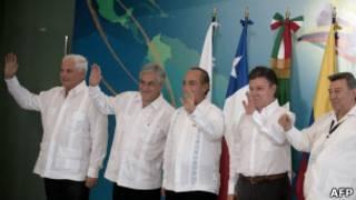 Президент Чили без галстука во время саммита лидеров латиноамериканских стран