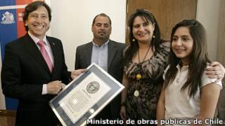 Laurence Golborne, Mario Sepúlveda, Paula Trujillo y su madre