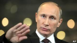 Владимир Путин во время телемоста 15 декабря 2011 г.