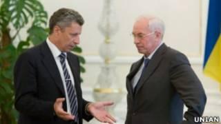 Премьер-министр Украины Николай Азаров и министр энергетики Юрий Бойко