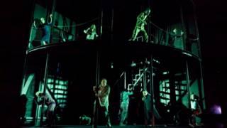نمایشنامه سیزده در تئاتر شهر لندن