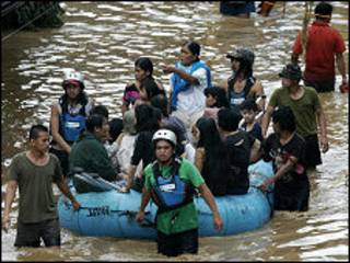 _philippines_storm_triggers_deadly_floods