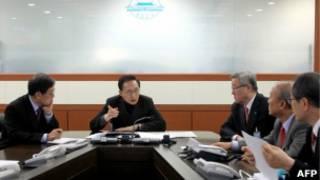 Президент Южной Кореи Ли Мен Бак созвал экстренное совещание совбеза