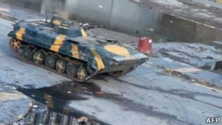 تانک در خیابانهای حمص